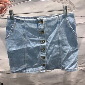 Light wash denim mini skirt with pockets
